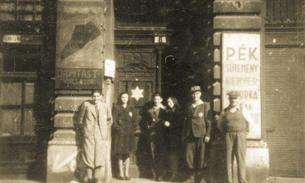 Hetvenhat órán át emlékeznek a budapesti gettó felszabadítására